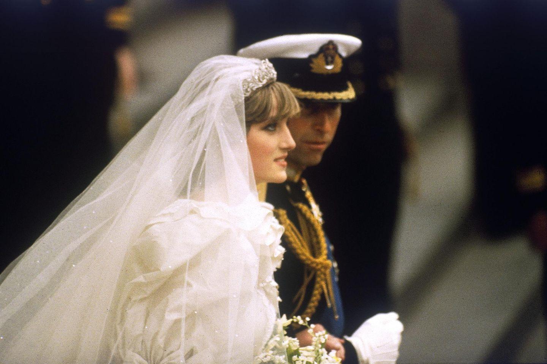 Im Juli 1981 war es soweit: Prinz Charles und Diana Spencer traten vor den Traualtar. Großbritannien bekam an diesem Tag vor 40 Jahren seine künftige Königin geschenkt - so dachte man damals zumindest.
