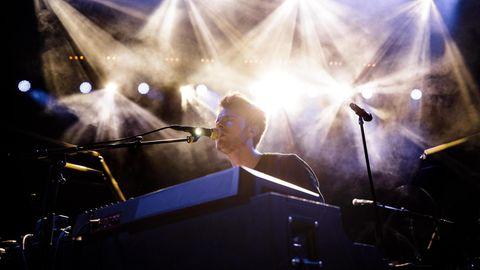 Finneas auf der Bühne in Kopenhagen