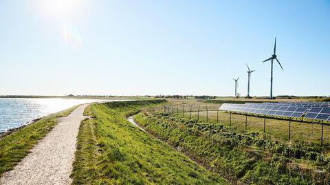 Die Ostseeinsel Fehmarn will schon bis 2030 ihre Treibhausgasbilanz auf null senken. Wind weht hier reichlich, oft scheint die Sonne – aber auch für den Tourismus und den Verkehr braucht es Lösungen