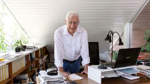 Franz Alt, 83, zu Hause in Baden-Baden, wo er mit seiner Frau Bigi lebt