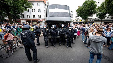 Polizei bei Demonstration in Berlin