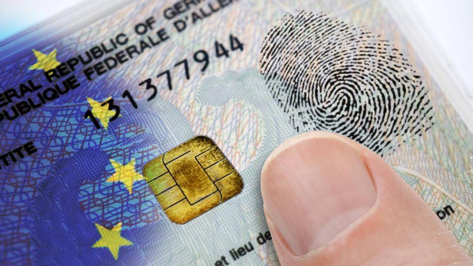 Ab dem 02.08.2021 ist der Fingerabdruck auf dem Personalausweis Pflicht.