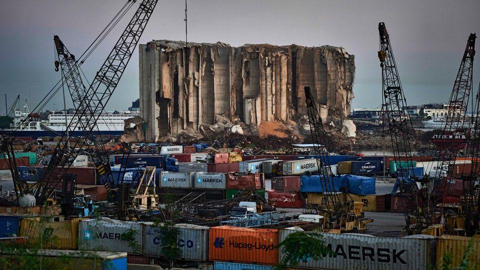 Die Ruine des Getreidesilos im Hafen von Beirut