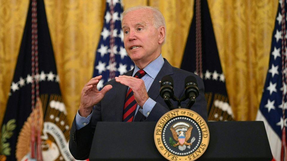 US-Präsident Joe Biden spricht im East Room des Weißen Hauses
