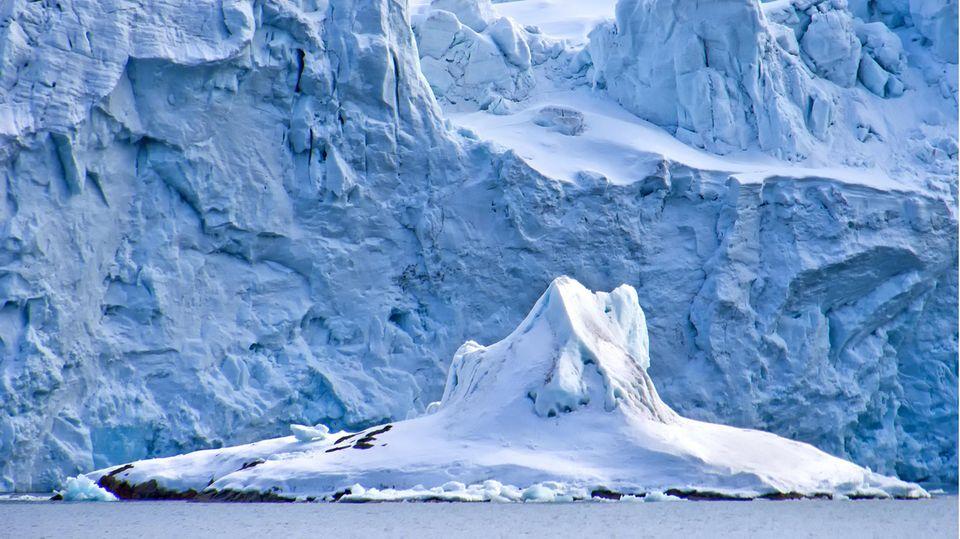 Schmelzendes Eis in der Arktis gilt als einer der Kipppunkte im Klimasystem.