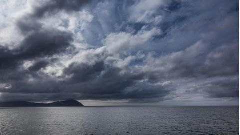 Dunkle Wolken über dem Nordatlantik