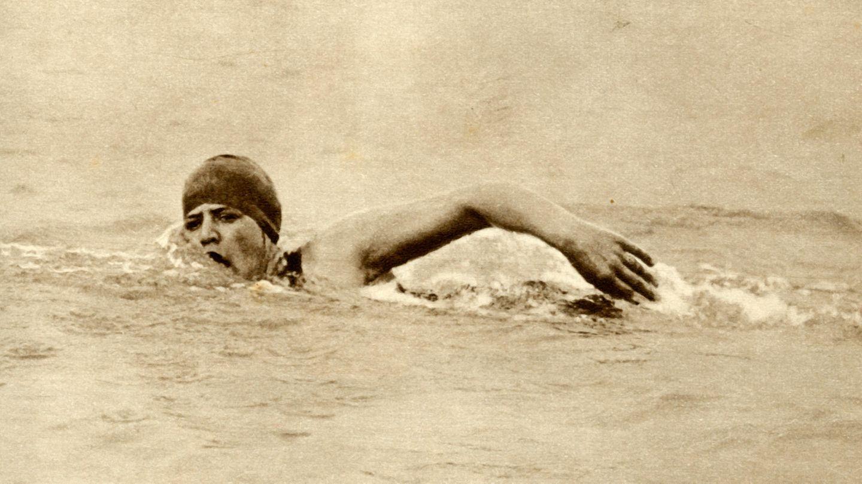 Gertrude Ederle durchschwimmt den Ärmelkanal