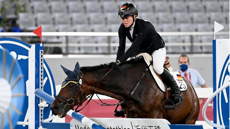 Annika Schleus (im Bild) größtessportlichesDramaihrer Karriere bei den Olympischen Spielen in Tokio. Dressureiterin Anabel Balkenhol findet, dass Sportreiten im Modernen Fünfkampf nichts verloren hat.