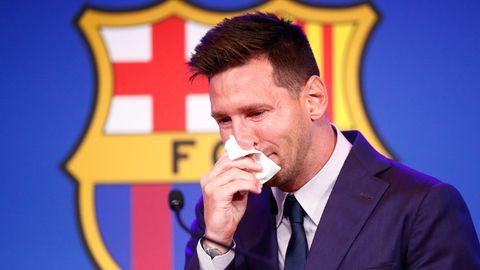 Lionel Messi unter Tränen bei einer Pressekonferenz zu seinem Abschied vom FC Barcelona