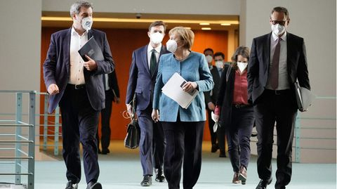 Bundeskanzlerin Angela Merkel nach einer Ministerpräsidentenkonferenz zur Coronalage in Deutschland