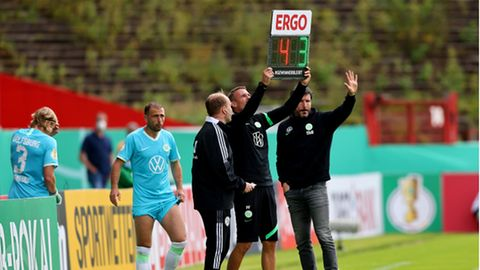 Mark von Bommel bei der Einwechslung in der ersten DFB-Pokalrunde