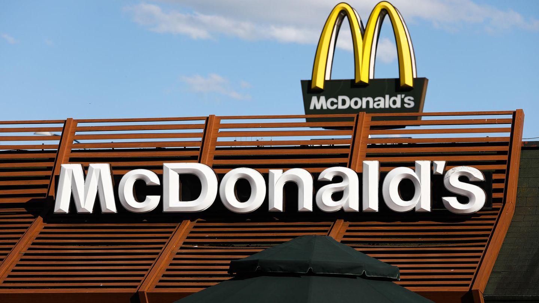 Eine Frau aus Russland sah sich gezwungen, aufgrund einer Werbung von McDonald's ihr Fasten zu brechen