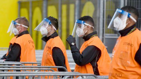 Sportliche Cornoa-Debatte: Mehr Normalität in den Stadien: Fußballclubs rufen Fans zur Impfung auf