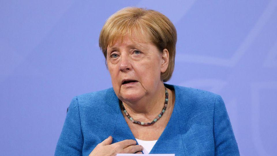 Bundeskanzlerin Angela Merkel (CDU) nach den Beratungen zwischen Bund und Ländern