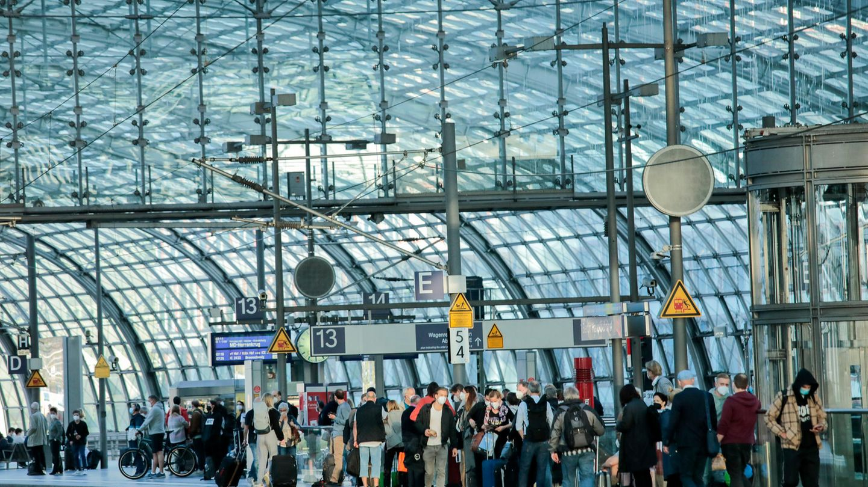 Der Streik der Lokführergewerkschaft geht weiter. Reisende müssen auch am Wochenende mit Einschränkungen im Bahnverkehr rechnen