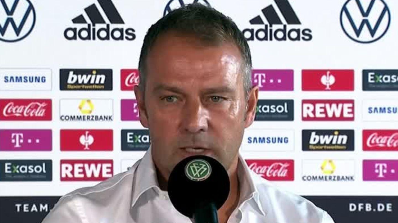 Fußball-Nationalmannschaft : Vorstellungen zu Mannschaft und Trainerstab: Bundestrainer Hansi Flick fordert