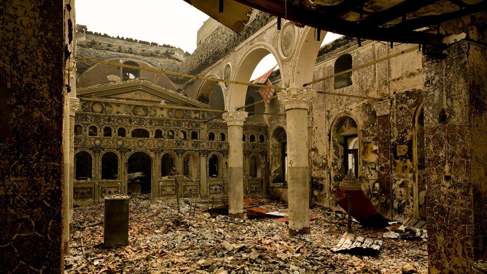 Ruinen einer orthodoxen Kirche aus dem 18. Jahrhundert auf Euböa