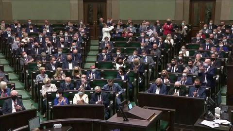 EU-Kommission sieht Rechtsstaat in Polen und Ungarn weiterhin in Gefahr