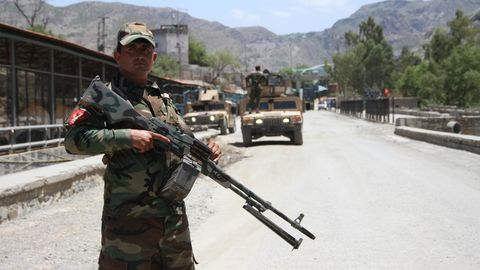 Afghanische Sicherheitskräfte an der Grenze zu Pakistan