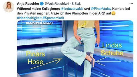 Anja Reschke zeigt ihre Hose und ihre Schuhe