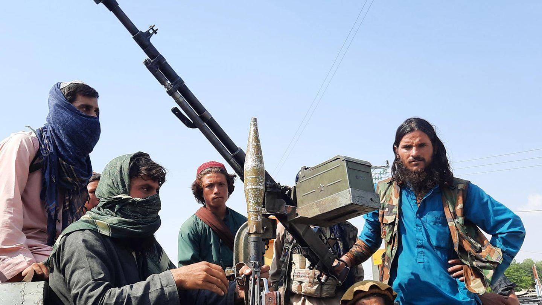 Schwer bewaffnete Taliban-Kämpfer in Mehtarlam, der Hauptstadt der Provinz Laghman