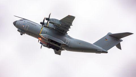 Ein Transportflugzeug vom Typ Airbus A400M der Luftwaffe