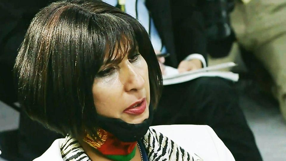 Afghanische Reporterin ringt im Pentagon mit den Tränen