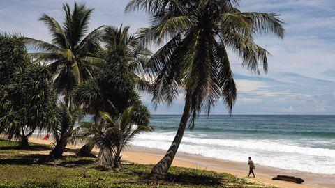 Ein Strand auf der Insel Phuket Mitte August 2021