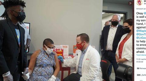 Sheletta Brundidge lässt sich impfen