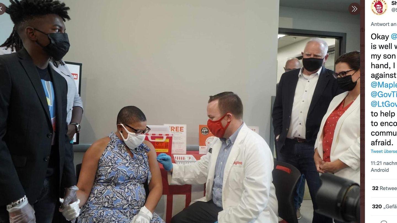 Sheletta Brundidge gets vaccinated