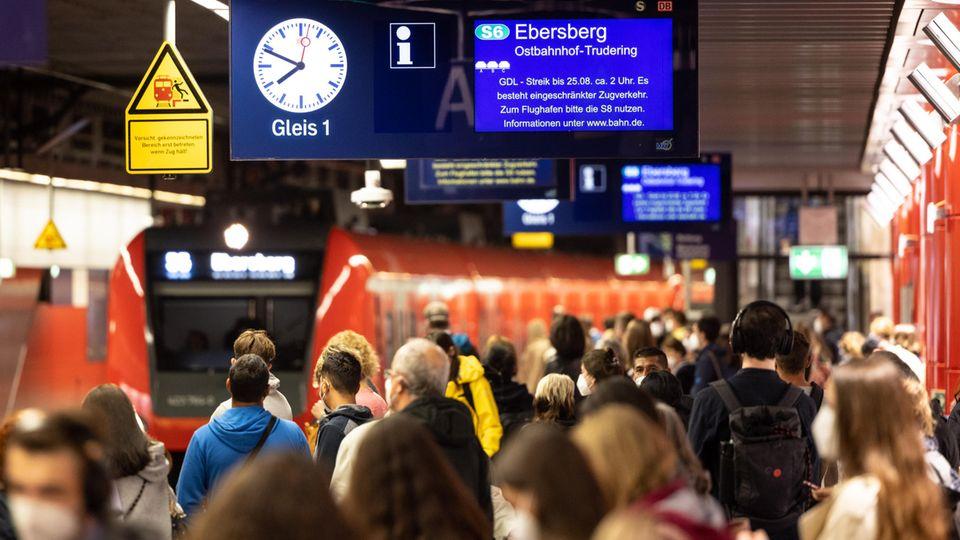 Lokführer setzen Streik im Personenverkehr fort – Bahn-Sprecher attackiert GDL