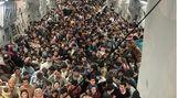 Mehr als 800 Menschen an Bord einer US-Maschine