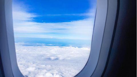 Fenster in Flugzeugen sollten aus hygienischen Gründen gemieden werden