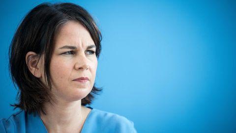 Die Kanzlerkandidatin Annalena Baerbock bei einer Pressekonferenz