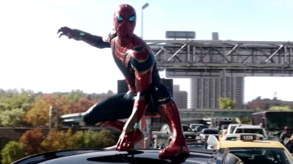 """Im neuen Trailer von """"Spiderman - No Way Home"""" spielt Tom Holland Peter Parker und Spiderman."""