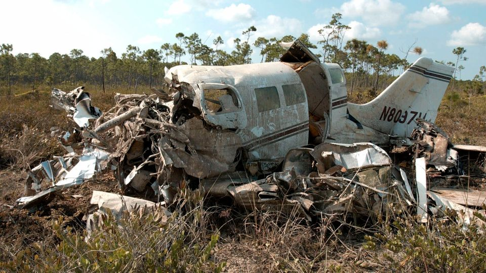 Das Flugzeugwrack, in dem die Sängerin und Schauspielerin Aaliyah ums Leben kam