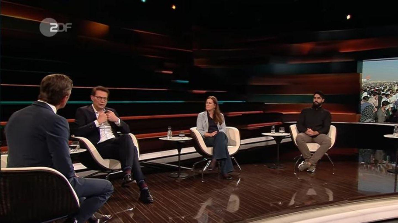 Die Gäste bei Markus Lanz (l):CSU-Generalsekretär Markus Blume, Linken-Parteivorsitzende Janine Wissler, Autor Emran Feroz, Journalist Robin Alexander (v.l. n.r.)