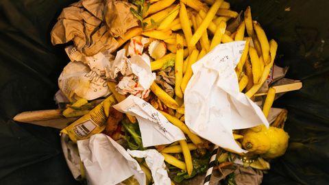 Mülltonne eines Restaurants