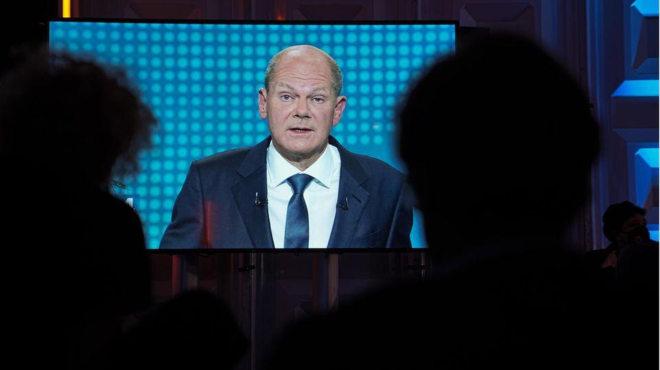 Olaf Scholz auf dem Bildschirm