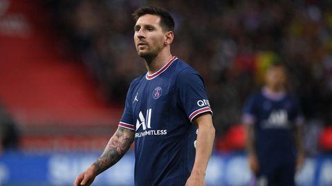 Lionel Messi im im ungewohnten Outfit von Paris Saint-Germain
