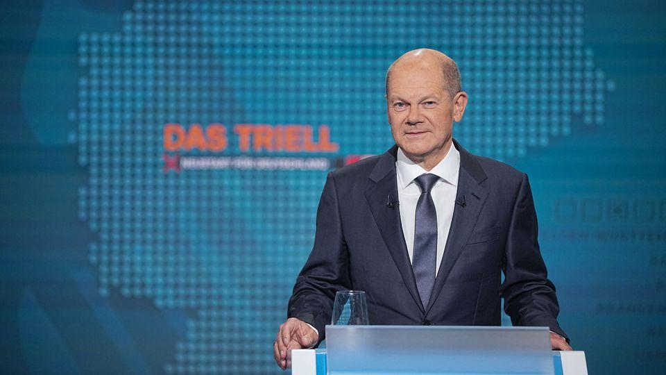 Kanzlerkandidat Olaf Scholz vor der Sendung im Fernseh-Studio in Berlin-Adlershof