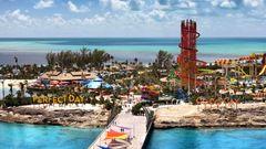 """Bild 1 von 12der Fotostrecke zum Klicken:Das Insel-Motto """"A perfect day"""" steht in großen Lettern am Ende der Pier: Auf geht es zu der """"Erlebnisinsel"""", so die Eigenwerbung."""