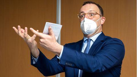 Jens Spahn erklärt 2G und 3G – nicht das Gesundheitswesen