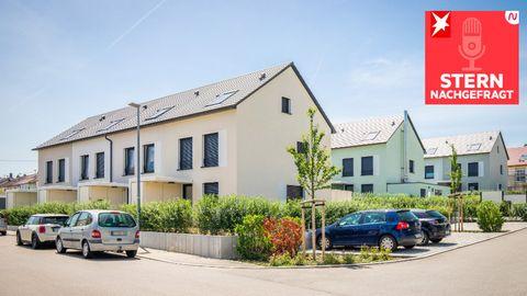 Kaufen oder mieten: Wohnpark mit mehreren Reihenhäusern