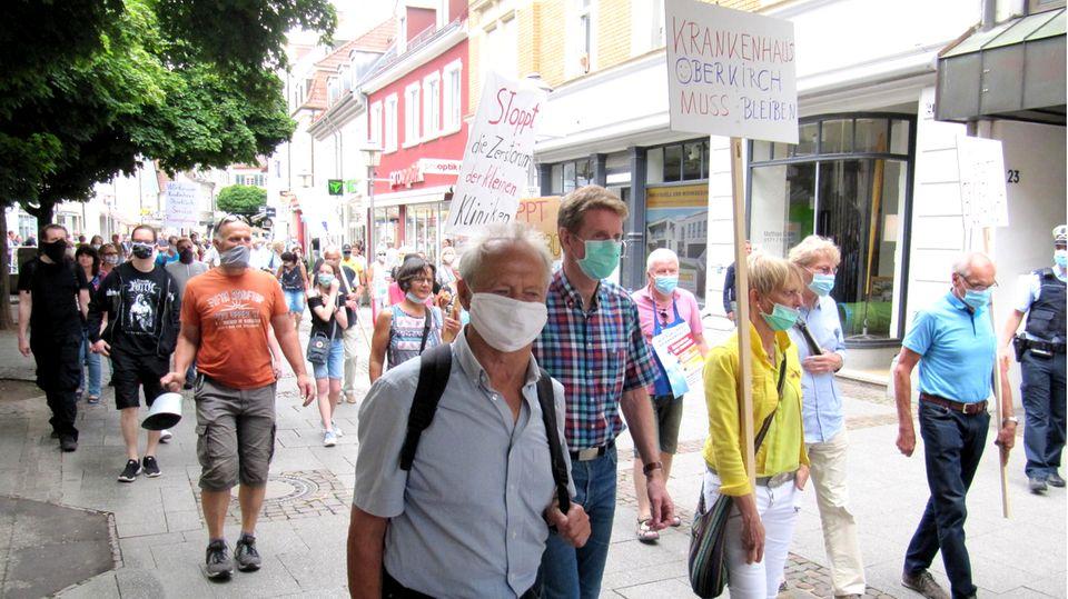 Demonstration gegen die Klinikschließung im Juni 2020