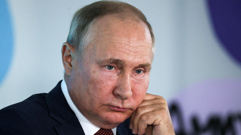 """Wladimir Putin bei seiner """"offenen Lehrstunde"""" mit russischen Schülern"""