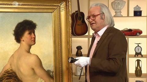 Albert Maier untersucht im Studio von Bares für Rares das Gemälde