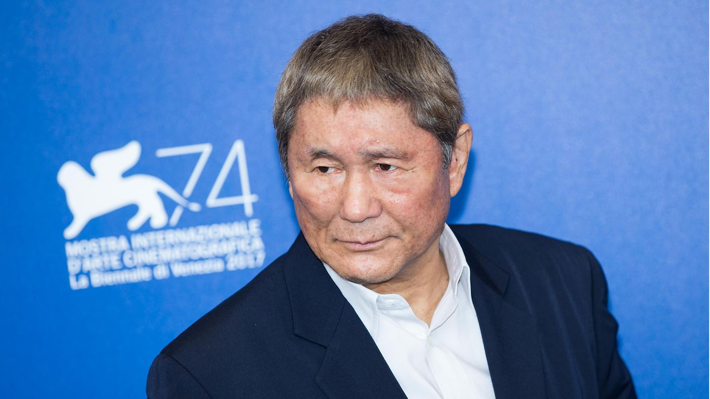 Takshi Kitano wurde 1947 geboren und gehört zu den bekanntesten TV-Persönlichkeiten Japans