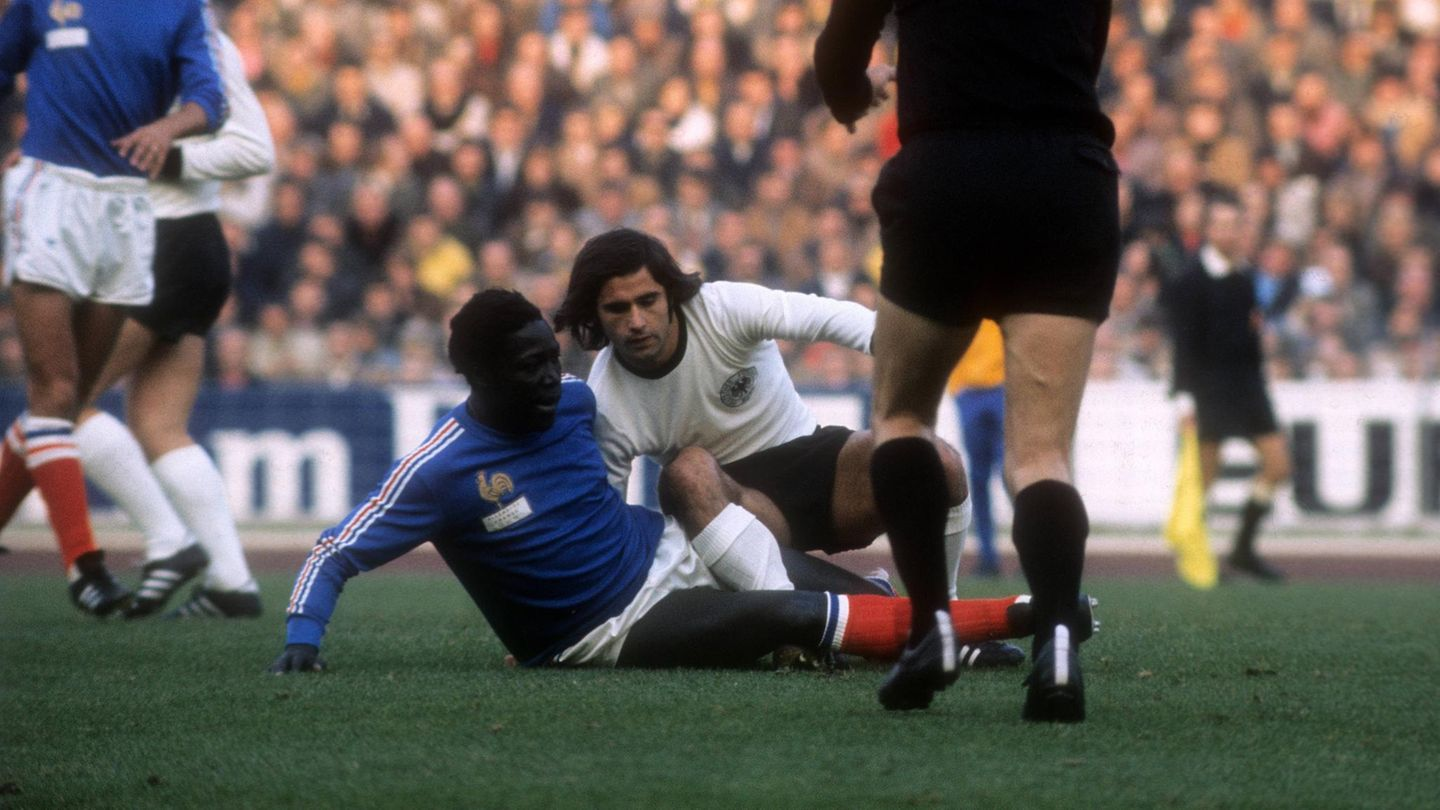 Jean-Pierre Adams: French ex-international dies after almost 40 years in a  coma - Archysport