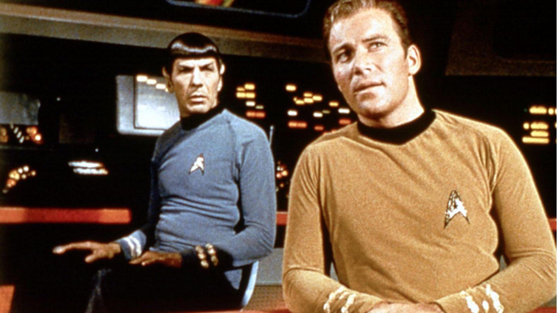 Captain Kirk und der Vulkanier Spock auf der Brücke des Raumschiff Enterprise